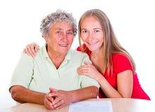 Bejaarde en haar dochter Stock Afbeeldingen