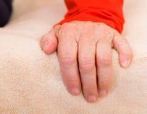 Bejaarde Hand Womans Royalty-vrije Stock Foto