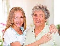Bejaarde huiszorg stock foto's