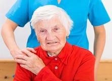 Bejaarde huiszorg stock afbeeldingen