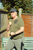 Bejaarde mens-klaar te vechten. Stock Afbeelding