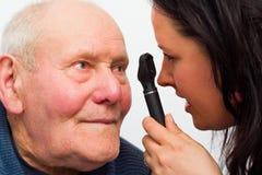 Bejaarde met Visieproblemen royalty-vrije stock foto