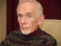 Bejaarde in nadenkende stemming Royalty-vrije Stock Afbeelding