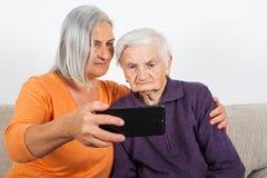 Bejaarden ` s selfie stock fotografie