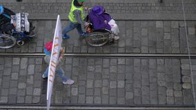 Bejaardeparade stock footage