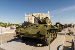Bekämpfen Sie sowjetischen Behälter, eine Ausstellung des Militär-historischen Museums, Ekaterinburg, Russland, 05 07 2015 Lizenzfreie Stockbilder