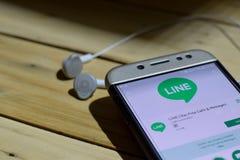 BEKASI, JAVA AD OVEST, INDONESIA 28 GIUGNO 2018: Messaggero Lite dall'applicazione dello sviluppatore di Google sullo schermo di  immagini stock