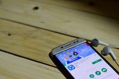 BEKASI, JAVA OCCIDENTAL, INDONÉSIE 26 JUIN 2018 : Application de réalisateur de SHAREit sur l'écran de Smartphone Le transfert et photographie stock