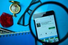 BEKASI, JAVA OCCIDENTAL, INDON?SIE 24 AVRIL 2019 : GPS Live Street Map et appli de réalisateur de navigation de voyage avec l'agr image libre de droits