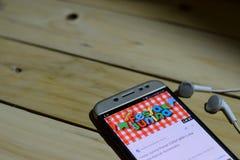 BEKASI VÄSTRA JAVA, INDONESIEN JUNI 26, 2018: Festa Junina Vektormallar för latin - amerikansk ferie på den Smartphone skärmen nä Arkivfoton