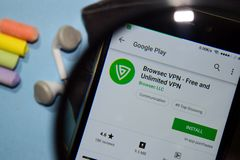 Browser VPN - Free and Unlimited dev app with magnifying on Smartphone screen. BEKASI, WEST JAVA, INDONESIA. DECEMBER 27, 2018 : Browser VPN - Free and Unlimited stock photography