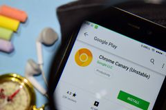 Chrome Canary Unstable dev app with magnifying on Smartphone screen. royalty free stock photography