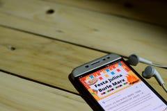 BEKASI, WEST-JAVA, INDONESIEN 26. JUNI 2018: Festa Junina Vector Schablonen für lateinamerikanischen Feiertag auf Smartphone-Schi Lizenzfreies Stockfoto