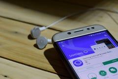 BEKASI, ZACHODNI JAWA, INDONEZJA LIPIEC 04, 2018: Samsung dev zastosowanie na Smartphone ekranie Internetowej wyszukiwarki beta j Obrazy Stock