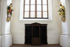 Bekentenis van Zondenruimte binnen van Jesuitenkirche-kerk bij de oude stad van Heidelberg in baden-Wurttemberg, Duitsland stock fotografie