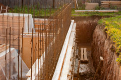 Bekisting voor de concrete stichting, bouwterrein Stock Fotografie