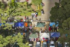Bekläda marknaden i centrala Nairobi, Kenya, ledare Arkivbild