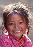 beklär den nationella nevarisståenden för flickan Arkivfoton