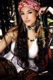 beklär den orientaliska kvinnan Royaltyfri Bild