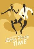 Beklär det bärande badet för roliga par dans och banhoppning på stranden royaltyfri illustrationer