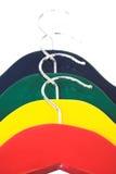 beklär färgrika hängare Arkivfoton