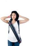 Beklemtoond universiteitsmeisje met rugzak en blauwdrukdrager Stock Foto