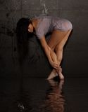 beklär den sexiga våta kvinnan Royaltyfri Foto