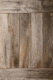 Bekymrat gammalt ladugårdträ stiger ombord väggbakgrund Royaltyfri Bild