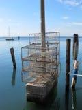 Belägga med metall burar som används för att fiska i lagun av Venedig Arkivbild