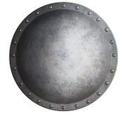 Belägga med metall den medeltida runda skölden som isoleras på den vita illustrationen 3d Arkivbilder