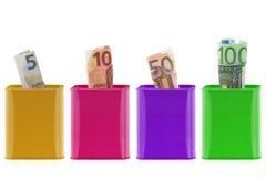 Belägga med metall piggybanks som sparar cans med olika värden av euroet Royaltyfria Bilder