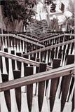 Belägga med metall stegen för nedstigning in i staden Royaltyfria Foton