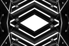 Belägga med metall strukturen som är liknande till rymdskeppinre i svartvitt royaltyfri bild