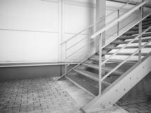Belägga med metall trappa som går upp på sidan av industribyggnadväggen royaltyfri foto