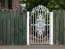 Belägga med metall vit utfärda utegångsförbud för Royaltyfri Bild