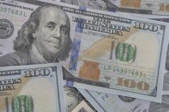 Belägga med tegel sömlöst i stånd och repeatable 100 dollarräkningar, USA Currenc Royaltyfri Bild