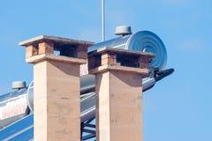 Belüftung auf dem Dach der modernen bulgarischen Häuser Lizenzfreies Stockfoto