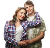 bel étreindre heureux de couples Photographie stock
