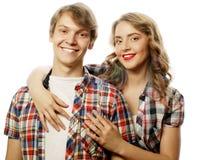 bel étreindre heureux de couples Photo libre de droits