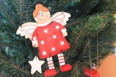 Bel ange sur l'arbre de Noël Image stock