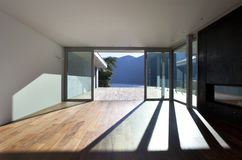 Bel appartement terrasse images stock