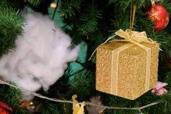 Bel arbre de Noël décoré photo libre de droits
