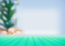 Bel arbre de Noël décoratif de tache floue Photos libres de droits