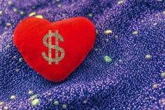 bel argent dimensionnel trois d'amour de l'illustration 3d très Dollar de signe sur le coeur rouge photographie stock libre de droits