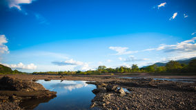 Bel avant de rivière de lac de barrage Photos libres de droits