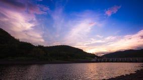 Bel avant de rivière de lac de barrage Photographie stock libre de droits