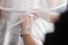 Bel ensemble de ` s de femmes et d'accessoires de mariage du ` s de mari? Matin du ` s de jeune mari?e Bouquet du ` s de jeune ma photo libre de droits
