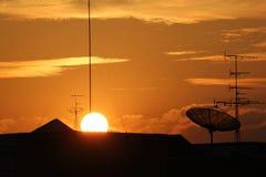 Bel horizon au coucher du soleil images libres de droits