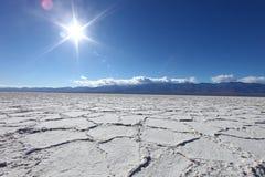 Bel horizontal de Badwater dans Death Valley Ca Photos stock