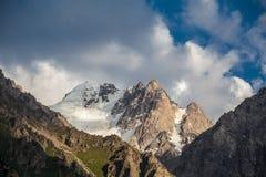 Bel horizontal de montagne Images stock